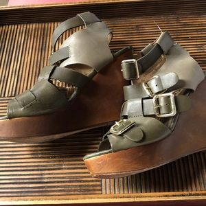 Cynthia Vincent olive green wedge sandals size 7.5